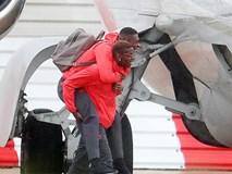 Paul Pogba cõng đồng đội lên máy bay đến Anderlecht đá Europa League