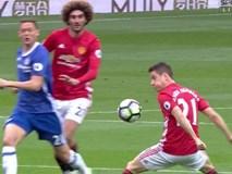 Người hùng của Man Utd phủ nhận cố tình chơi bóng bằng tay