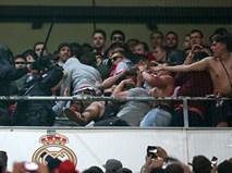 Fan Bayern bị đánh bể đầu, fan Real ăn mừng như vô địch