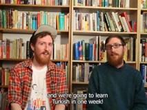 Thủ thuật học ngoại ngữ trong 7 ngày của cặp song sinh thạo 10 thứ tiếng