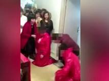 Hôn lễ độc nhất vô nhị, một chú rể cưới hai cô dâu