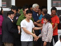 Phút 19 cán bộ chiến sĩ được dân Đồng Tâm thả