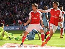 Sanchez bùng nổ trong hiệp phụ đưa Arsenal vào chung kết FA Cup
