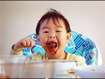 """Những cách nuôi dạy con """"lạ đời"""" đến khó tin của cha mẹ 9 nước nổi tiếng thế giới"""