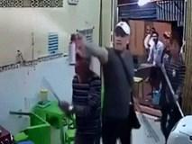 Clip nhóm thanh niên vác kiếm tấn công quán kem nhãn Chú Tám ở Sài Gòn