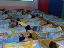 Bé trai 5 tuổi tử vong khi ngủ trưa tại trường mẫu giáo, cha mẹ và cô giáo sụp đổ vì nguyên nhân không ngờ