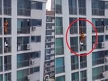 Người hùng lính cứu hỏa 'tung cước' cứu sống cô gái đang định nhảy lầu tự tử