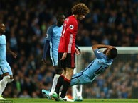 Man City 0-0 Man United: Mourinho 'dựng xe buýt', Fellaini bị đuổi, M.U vẫn... bất bại
