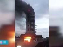 Cháy khách sạn 5 tầng, khách lưu trú hốt hoảng nhảy lầu thoát thân