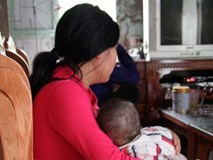 Trải lòng đau đớn của mẹ nữ sinh lớp 8 bị xâm hại đến sinh con