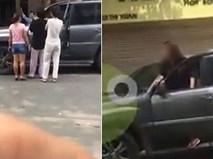 Va chạm sau khi xi nhan phải nhưng rẽ trái, cô gái chạy Lexus còn lớn tiếng chửi bới người đàn ông trên phố