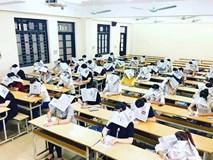 Sự thật về bức ảnh sinh viên đội báo lên đầu để tránh quay cóp trong giờ kiểm tra gây xôn xao dư luận