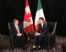 Thủ tướng điển trai của Canada đi tất hoạt hình 2 màu trong cuộc gặp Thủ tướng Ireland