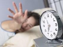Bốn sai lầm nhiều người hay mắc khi mới ngủ dậy: Nên bỏ ngay để tránh bệnh nặng