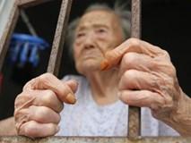 Bỏ mặc mẹ già trong viện dưỡng lão, một câu nói của bà khiến người làm con phải ngẫm