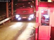 """Tài xế xe khách Hoàng Sơn: Xe tải """"chạy như ăn cướp"""""""