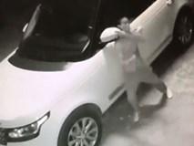 """Vide: Kẻ gian """"vặt"""" gương xe Range Rover trong vòng 25 giây"""