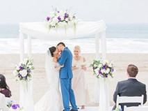 Đám cưới lãng mạn ở bãi biển đẹp nhất nước Mỹ của cô giáo Việt và chú rể Tây