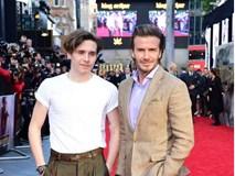 42 tuổi, David Beckham vẫn quá phong độ, làm lu mờ cả cậu con trai trên thảm đỏ