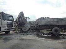 Hai tài xế xe tải tử vong sau cú đâm trực diện