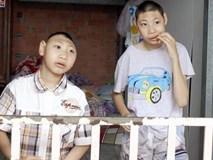 Người một mình nuôi hai con teo não được cộng đồng giúp đỡ
