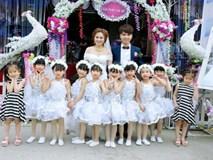 Cô giáo mầm non múa cùng học trò trong đám cưới