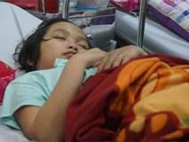 Bé gái 15 tuổi bị u não suốt 2 năm không ăn cơm, chỉ uống nước đá