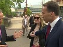 Video: Phóng viên BBC sờ ngực phụ nữ qua đường trong chương trình trực tiếp