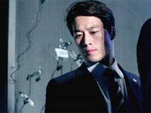 """Hóa ra chàng vệ sĩ điển trai của Tổng thống Hàn chính là """"Hậu duệ Mặt Trời"""" phiên bản đời thực!"""