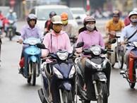 Chuyên gia thời tiết lý giải việc người Hà Nội phải mặc áo rét ra đường giữa... mùa hè