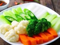 Bí quyết luộc rau củ xanh ngọt không phải ai cũng biết