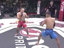 """MMA: Chết giấc vì dính """"vô ảnh cước Hoàng Phi Hồng"""""""