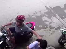 Tên cướp giật dây chuyền ở Sài Gòn sa lưới nhờ camera an ninh