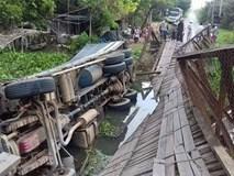 Xe quá tải gây sập cầu ở Long An, ôtô lật xuống sông