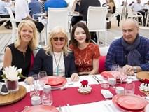 Lý Nhã Kỳ tự mở tiệc đãi dàn khách VIP tại Cannes