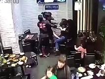 Cô gái hành hung bé gái 4 tuổi ngay giữa nhà hàng