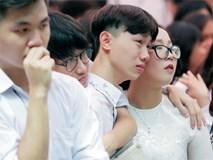 Học sinh Việt Đức bịn rịn trong ngày cuối cùng của tuổi học trò