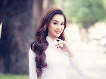 Ca sĩ chuyển giới Lâm Chi Khanh duyên dáng trong tà áo dài