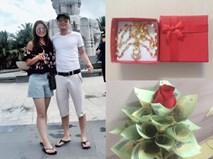 """Chuyện của """"soái ca"""" tặng vàng và hoa tiền mặt cho vợ ngày sinh nhật khiến chị em trầm trồ ngưỡng mộ"""