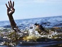Nước sông bất ngờ chảy xiết, 4 học sinh chết đuối