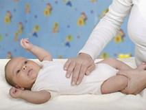 Trẻ bị táo bón mẹ áp dụng ngay 8 mẹo này, đảm bảo khỏi ngay sau một lần thử