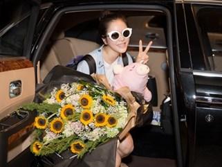 Trở về từ Cannes, công chúa Lý Nhã Kỳ được đón rước bằng siêu xe 40 tỷ