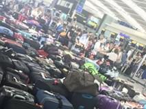 Sân bay Anh hỗn loạn vì sập máy tính toàn cầu