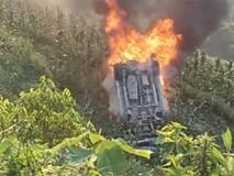 Hai người may mắn thoát chết khi xe ô tô lao xuống vực, bốc cháy gần SaPa