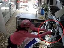 Nhân viên ngủ gục, nữ 'đạo chích' lẻn vào cửa hàng đánh cắp 3 chiếc iPhone