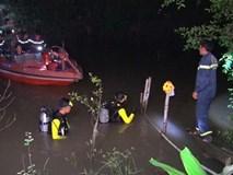 Bố mẹ bất cẩn, bé gái 18 tháng tuổi rớt xuống sông mất tích