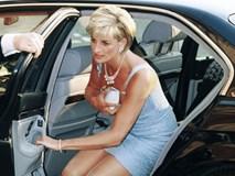 Công nương Diana luôn cầm theo chiếc xắc tay nhỏ xíu nhưng không mấy ai biết công dụng thật của nó