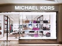 Michael Kors đồng loạt đóng cửa 100 cửa hàng vì lí do không ai ngờ tới