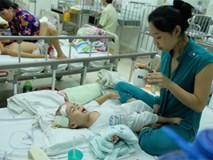 Chồng bặt vô âm tích, mẹ trẻ đau khổ 9 tháng trời một mình nuôi con bạo bệnh