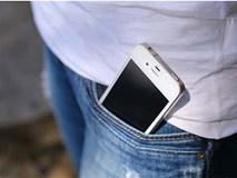 """Cứ quen đút điện thoại trong túi quần, đàn ông """"yếu"""" hơn và dễ gây vô sinh"""